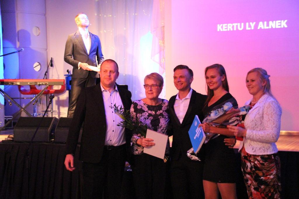 Kertu Ly Alnek Eesti Ujumisliidu aasta gala autasustamisel