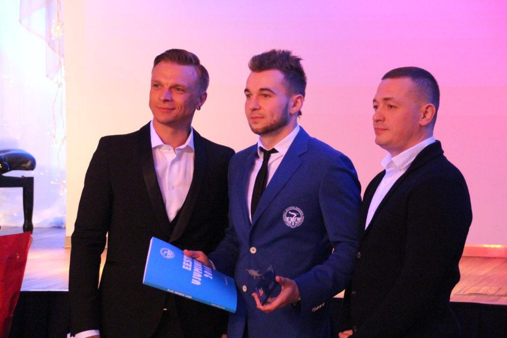 Martin Allikvee Eesti Ujumisliidu aasta gala autasustamisel